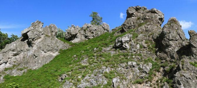 Hrebeňom Čertovej doliny na Klokoč